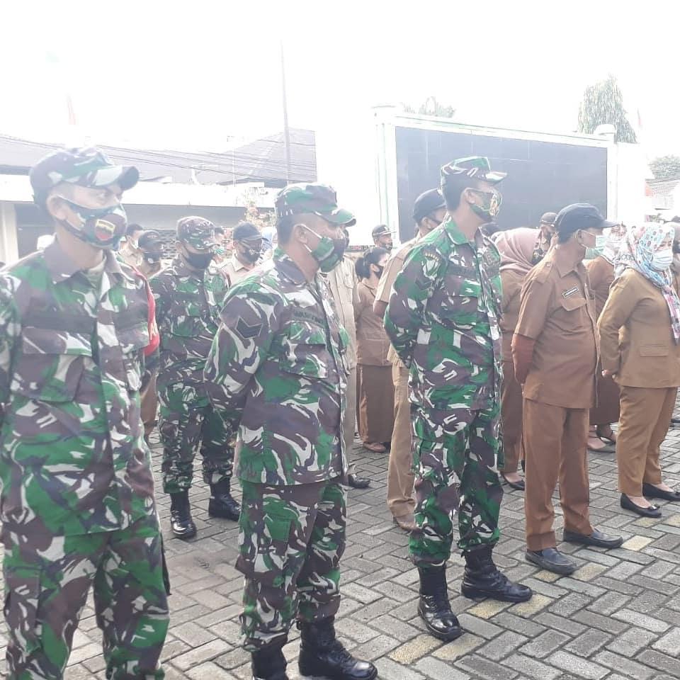 Pelaksanaan Apel Gabungan Jajaran Kecamatan Medan Johor besama Danramil 08 MJ (23/8/2020)
